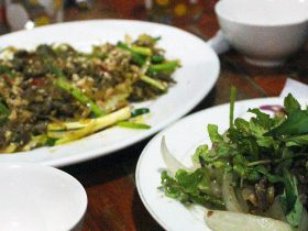 vietnamjeeps-Twilight Bites Food Tour